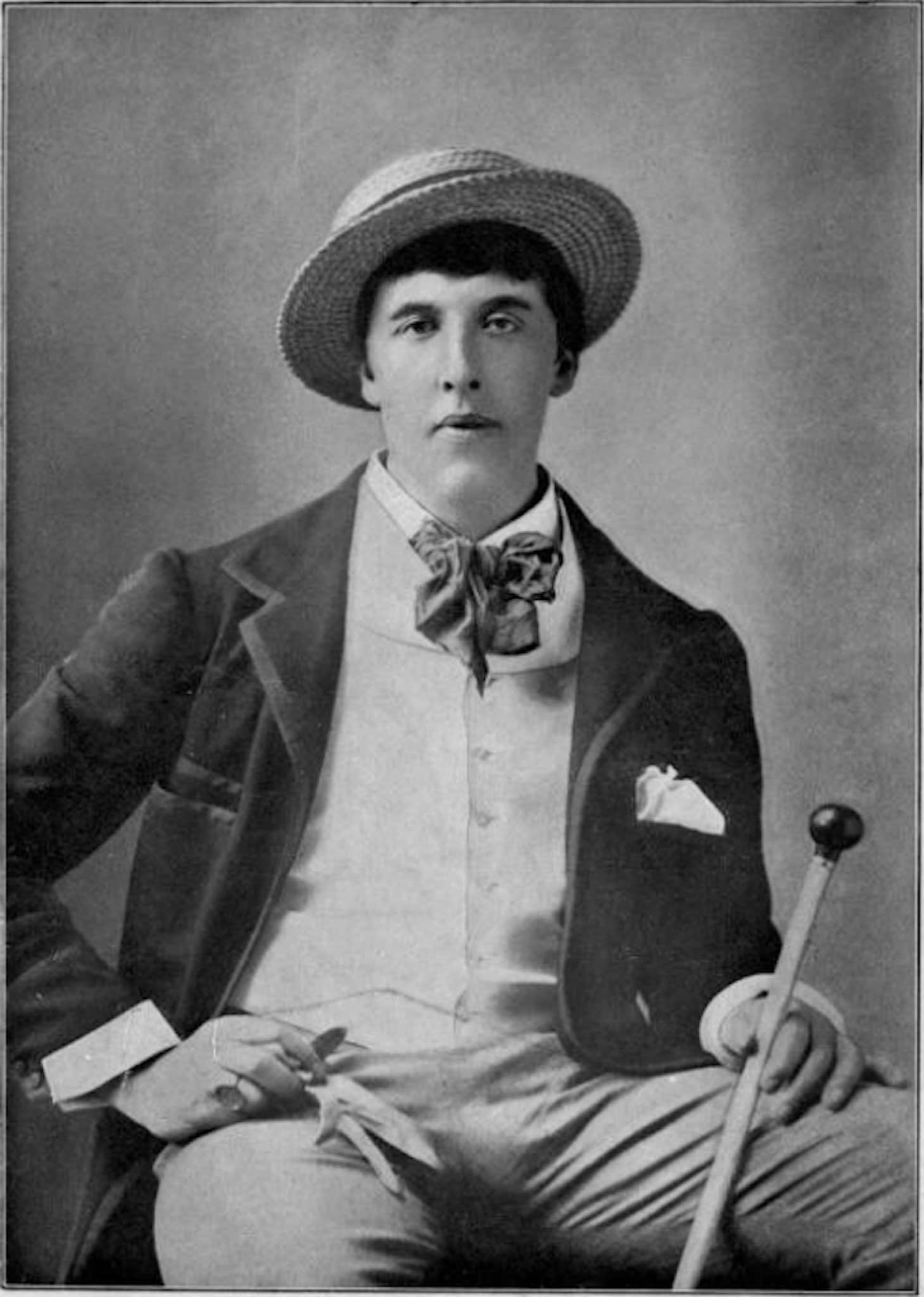 Oscar Wilde in America :: Photographs by Napoleon Sarony | New York City 1882