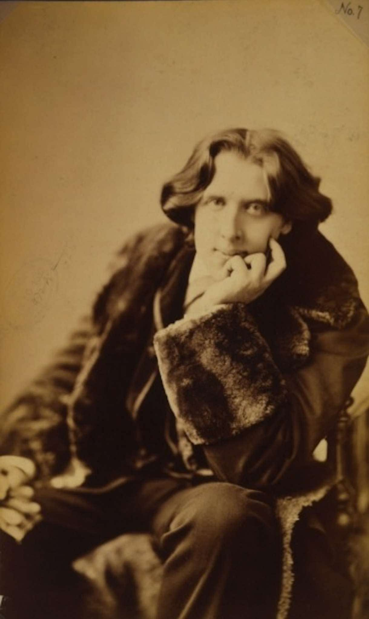 Oscar Wilde In America    Photographs By Napoleon Sarony